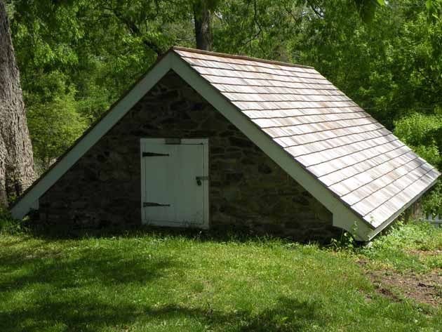 Ice house behind the Thompson-Neely House