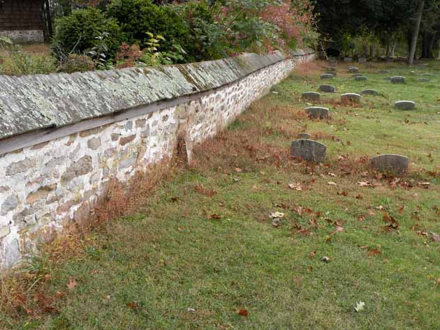 Graveyard and walled fence of Buckingham Friends Meeting